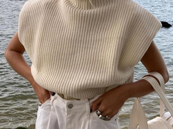 Turtleneck Sleeveless Sweater Top